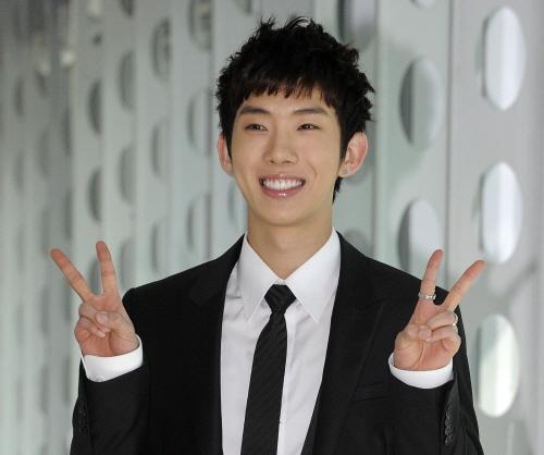 Lee Young Suk et Jung Soo min nier des rumeurs datant Si les conseils de rencontres sont mieux que